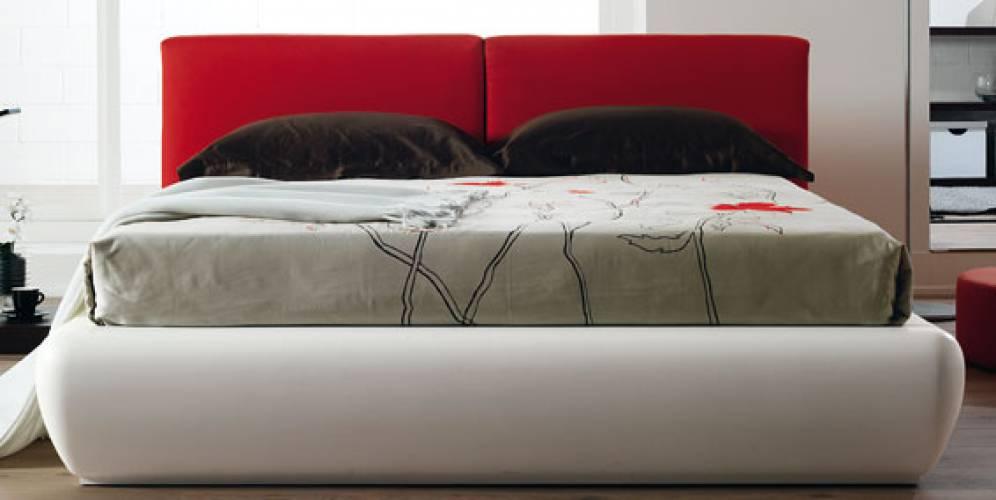 Casa immobiliare accessori cuscini letto - Testate letto con cuscini ...