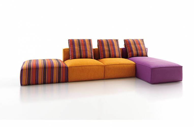 Divano moderno sense vintage vendita di divani a roma for Retro divani moderni